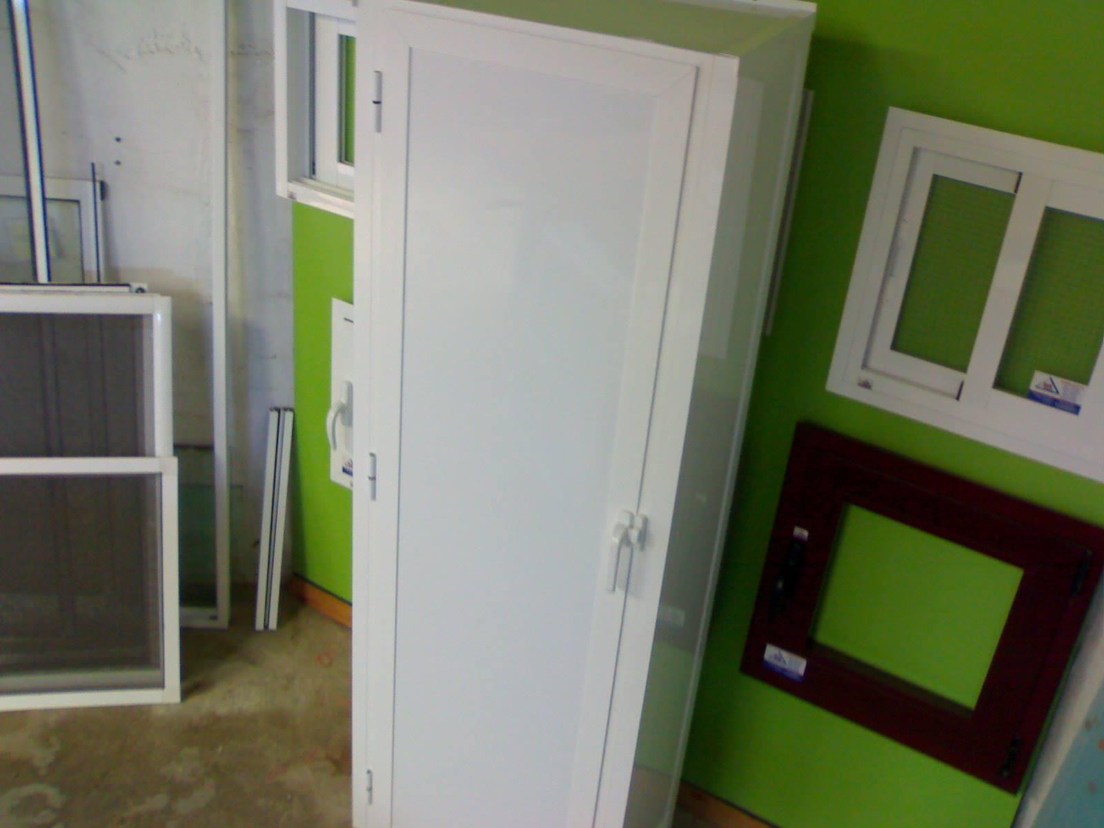 Armario para exterior en aluminio para el calentador y for Armario para balcon exterior
