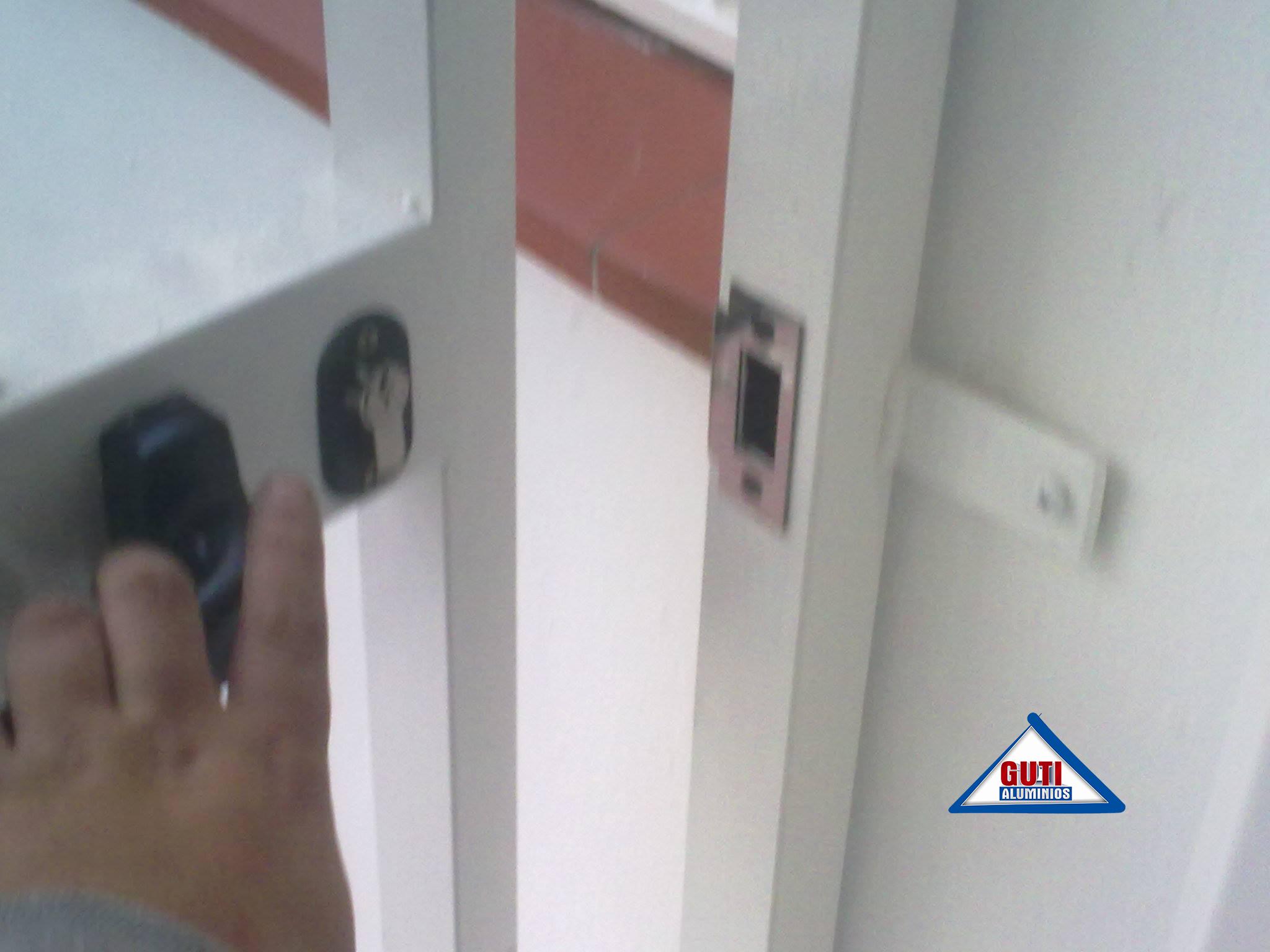 Cerraduras para cancelas de hierro y aluminio malaga - Hierro y aluminio ...