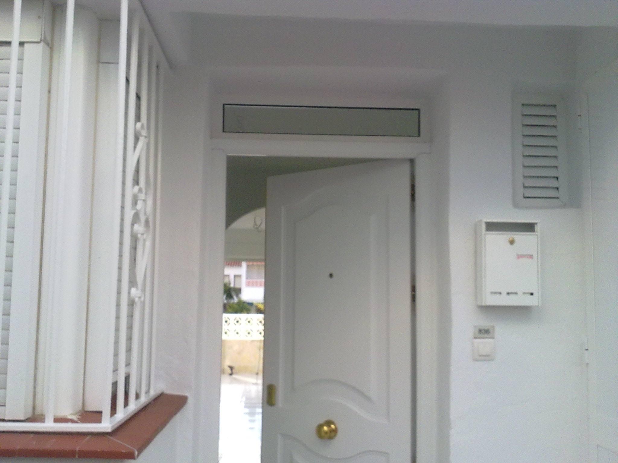Puerta acorazada en color blanco instalada en m laga - Puertas acorazadas malaga ...